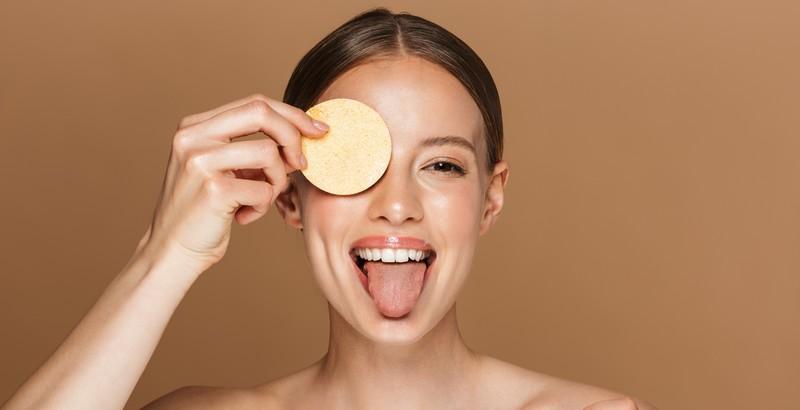 ¿Cómo uso un exfoliante facial?